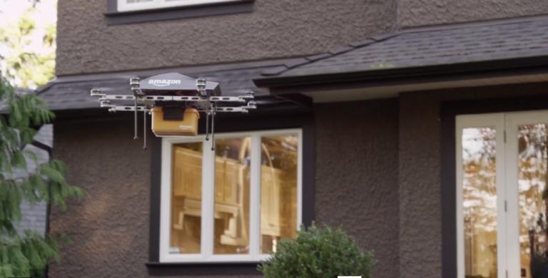 Patent Amazonu budí emoce. Jeho drony budou skenovat váš dům
