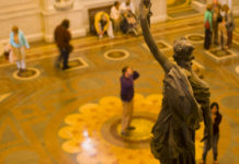 United_States_Library_of_Congress_building_statue